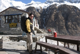 A-Trekker-In-Front-of-a-Lodge