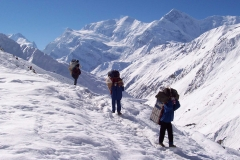 Porters-towards-their-Destination
