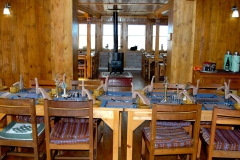 16 everest-summit-lodges-nepal-lukla-dining-room-min
