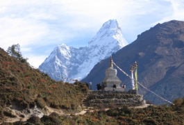 Stupa with Amadablam Himal-min