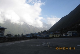 Back-to-Lukla-airport