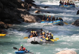 Rafting-in-a-White-River