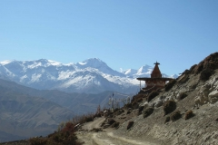 Chortens-Are-a-Common-Sight-on-the-Trail