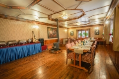 Everest-Summit-Lodges-Mende-Dining